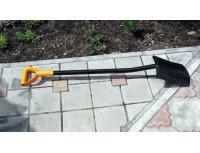Лопата штыковая с закругленным лезвием Fiskars Solid