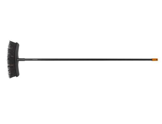 Универсальная метла Fiskars Solid